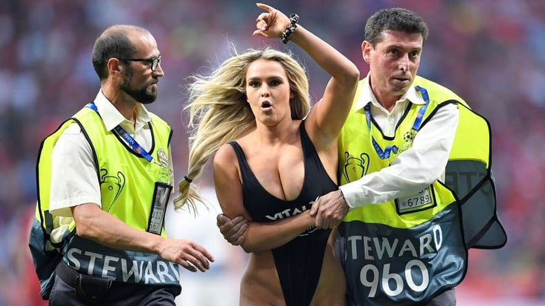 Kinsey Wolanski Jumping to the Field in the Champions League Final